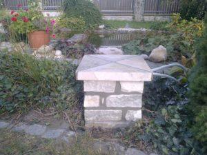 Kamenný sloupek