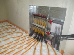 Zapojení rozdělovače podlahového topení