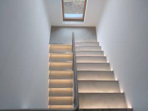 Celkové osvětlení schodiště